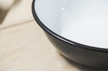 Olkusz miska emaliowana 1.5 l czarna
