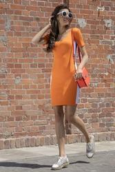 Pomarańczowa sportowa prążkowana mini sukienka z lampasem