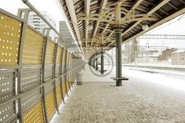 Fototapeta pusty dworzec w zimie