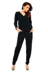 Czarny wygodny kombinezon w stylu casual z plisą