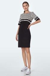 Czarna prosta sukienka z górą w pepitkę