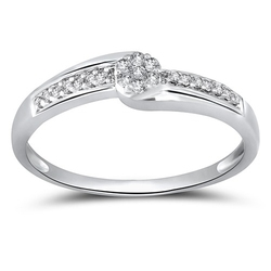 Staviori pierścionek. 21 diamentów, szlif brylantowy, masa 0,16 ct., barwa h, czystość i1. białe złoto 0,585. szerokość 3,2 mm.