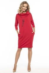 Codzienna czerwona sukienka z szerokim golfem
