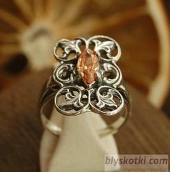 Ermita - srebrny pierścionek z topazem złocistym