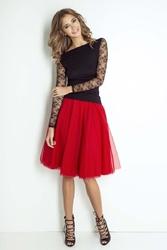 Czerwona zwiewna tiulowa spódnica do kolan