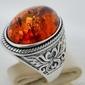 Magnat – srebrny sygnet, pierścień z bursztynem
