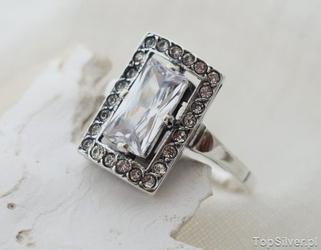 Sujata - srebrny pierścionek z cyrkoniami