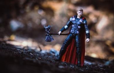 Thor - plakat wymiar do wyboru: 70x50 cm