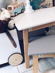 Stolik do dziecięcego pokoju woody
