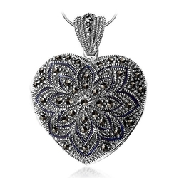 Zawieszka otwierane puzderko serce srebro pr.925 z czarną emalią i markazytami