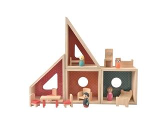 Drewniany domek z figurkami i mebelkami
