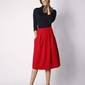 Czerwona trapezowa spódnica z głębokimi zakładkami