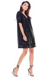 Czarna cekinowa sukienka o luźnym kroju