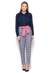 Wzorzyste spodnie cygaretki z wiązanym paskiem