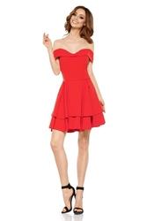Sukienka z odkrytymi ramionami i falbaną na dole - czerwona