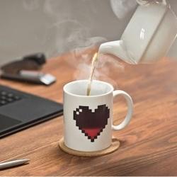 Magiczny kubek pikselowe serce