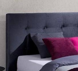 Klasyczne łóżko tapicerowane do sypialni alice pikowane guzikami