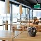 Fototapeta wnętrze modnej kawiarni