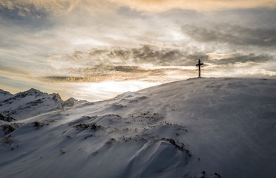 Fototapeta krzyż na szczycie góry fp 1583