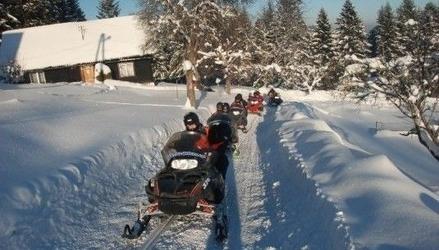 Wyprawa na skuterze śnieżnym z przewodnikiem - 2 osoby - istebna 1 godzina