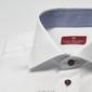 Elegancka biała koszula slim fit z granatowymi guziczkami i wstawkami w kratkę 46