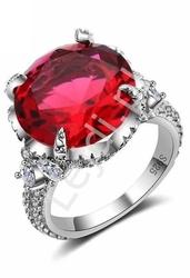 Srebrny pierścionek z ażurowym okuciem wysadzanym cyrkoniami z czerwonym oczkiem, 925  hit