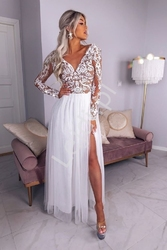 Biała sukienka tiulowa z beżowym podbiciem pod elegancką koronką, adel