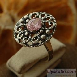 Marge - srebrny pierścionek z różowym kryształem
