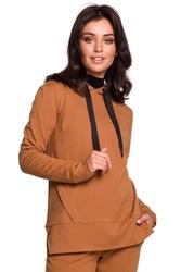 Karmelowa bluza z kapturem z asymetrycznymi rozcięciami