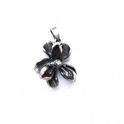 Wisiorek srebrny - magnolia mała szara