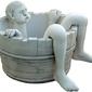 Vb fontanna ogrodowa betonowa chłopak kąpiący się w misce 56cm
