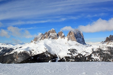 Fototapeta canazei włochy widok na ośnieżone góry fp 2046