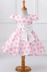Jasnoróżowa sukienka w kropki dla dziewczynki, wizytowe