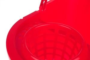 Bentom wiadro prostokątne z wyciskaczem 15 l - czerwone