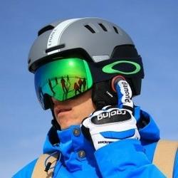 Inteligentny kask narciarski livall rs1