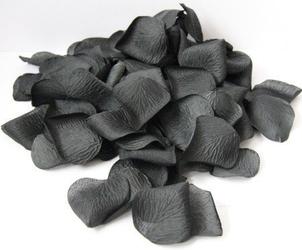 Płatki czarnej róży dekoracyjne - op. 100 szt