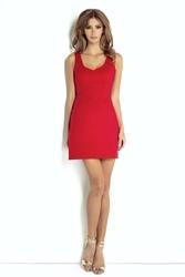 Czerwona elegancka sukienka mini ze zmysłowym dekoltem