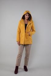 Krótki płaszcz z kapturem - kamelowy