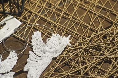 Zawieszka anioł biały mix wzorów