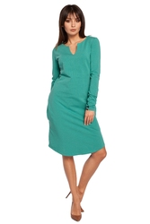 Luźna sportowa sukienka z rozciętym dekoltem zielona b017