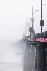 Warszawa most we mgle - plakat premium wymiar do wyboru: 59,4x84,1 cm