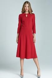 Czerwona elegancka sukienka midi z wycięciem przy dekolcie