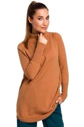 Kamelowy wygodny sweter z półgolfem