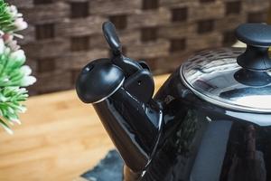 Prymus czajnik emaliowany z gwizdkiem oskar czarny 2,5 l