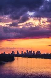 Warszawa zachód słońca nad wisłą - plakat premium wymiar do wyboru: 30x45 cm